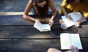 Grow up  — фразовый глагол с переводом и примерами